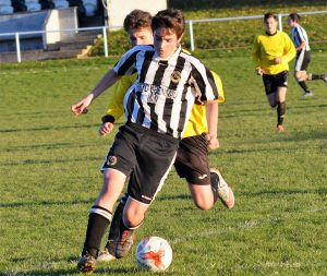 Ryan Evans in action v Aberdyfi